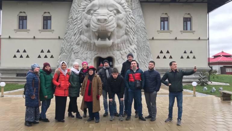 В минувшее воскресенье волонтеры благотворительного фонда «Закят» посетили «Этномир» в Калужской области.