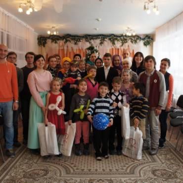 23 декабря волонтеры фонда «Закят» посетили  МКОУ «Чеховский центр содействия развитию семьи и семейных форм устройства»